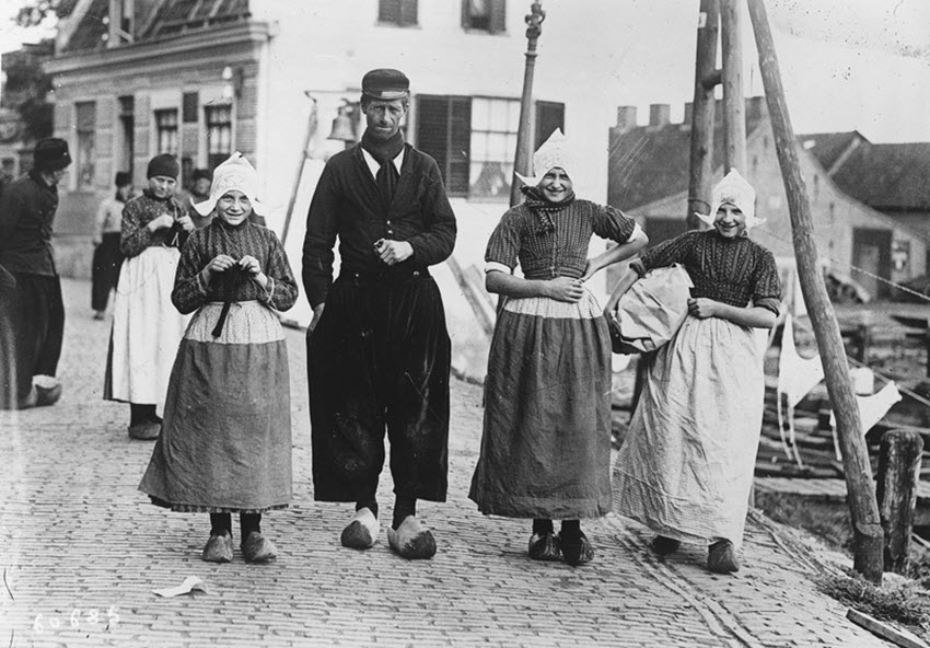 traditional Dutch Costumes