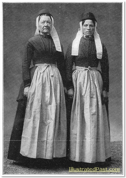Two women from the island of Terschelling.